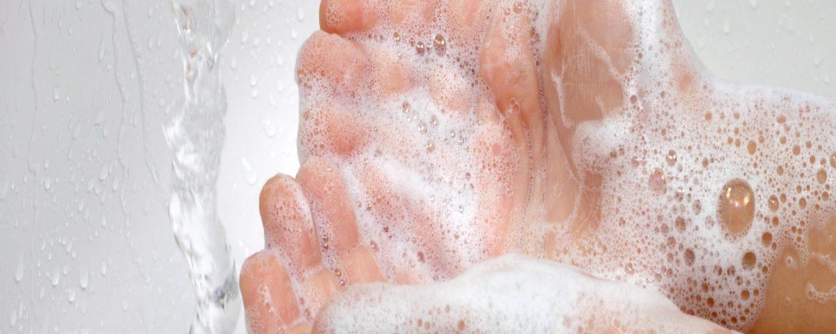 lavado-de-manos-fluyecanarias