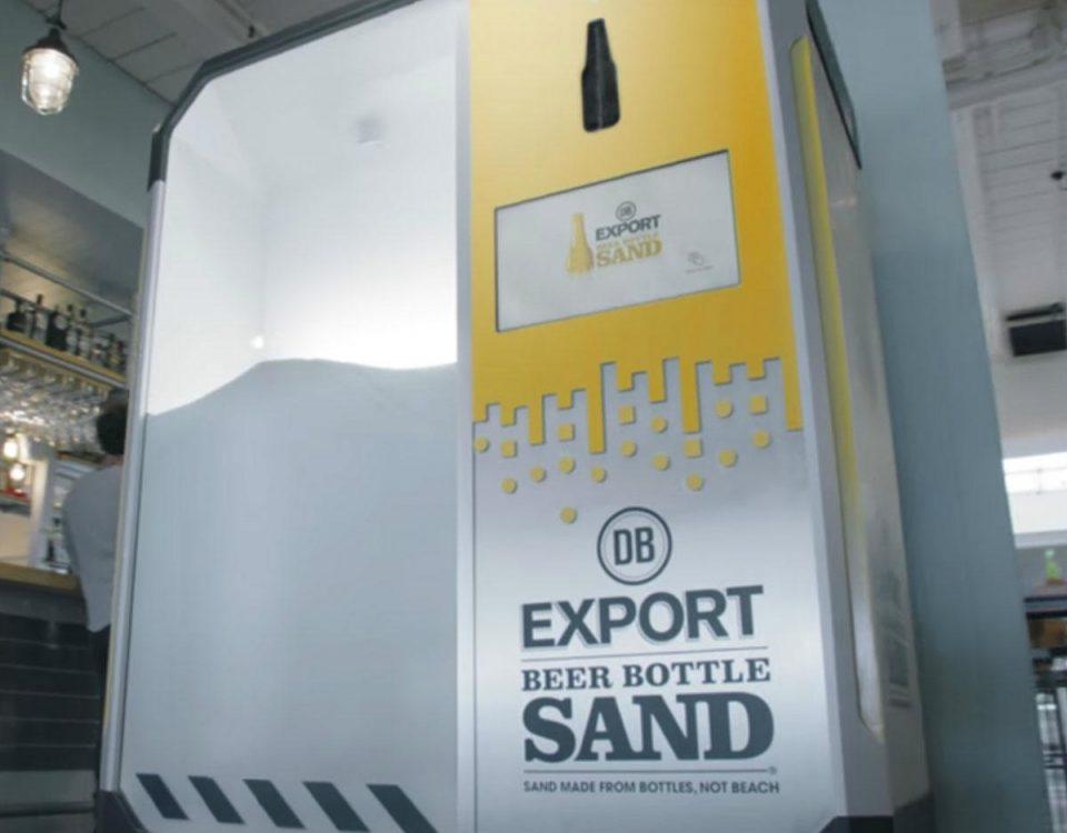 La maquina que convierte botellas de cerveza en arena para salvar las playas de Nueva Zelanda 1