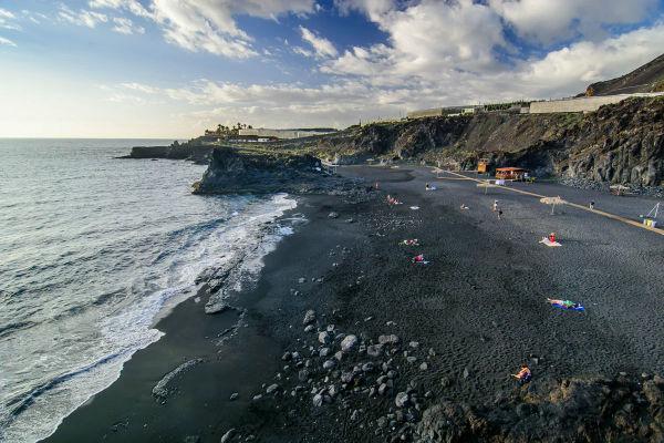 Playas de Canarias. Charco Verde, Puerto Naos (La Palma) FOTO: TURISMO CANARIAS