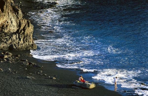 Playas de Canarias. Playa del Inglés, Valle Gran Rey (La Gomera) FOTO: TURISMO CANARIAS