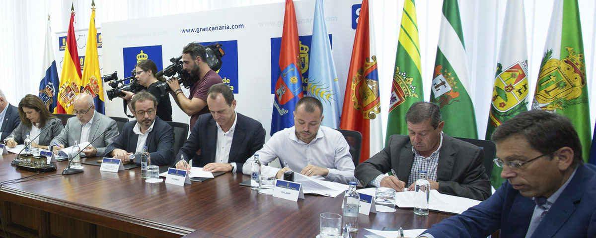 201711 Gran Canaria se une por clima con el convenio del Pacto de los Alcaldes