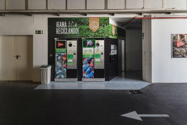 Lanzarote estrena su primer sistema de pago por reciclaje 2