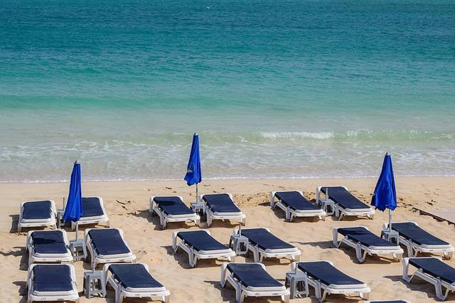 Hamacas en playas en la fase 2