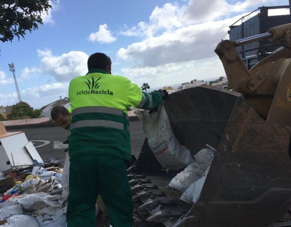 Telde recoge 21.000 kilos de escombros vertidos ilegalmente en La Herradura