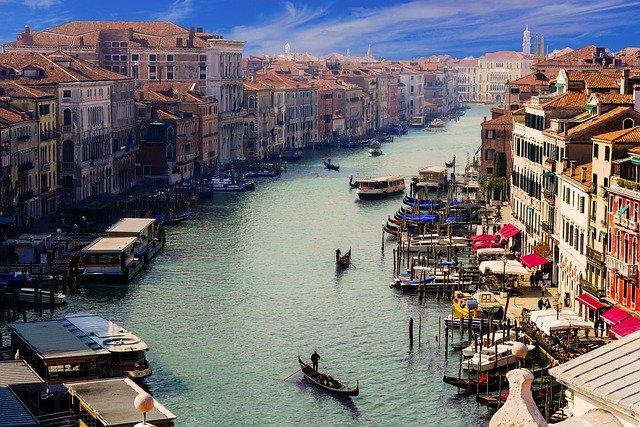 nuevas rutas de Binter con Italia y Francia - canales venecia